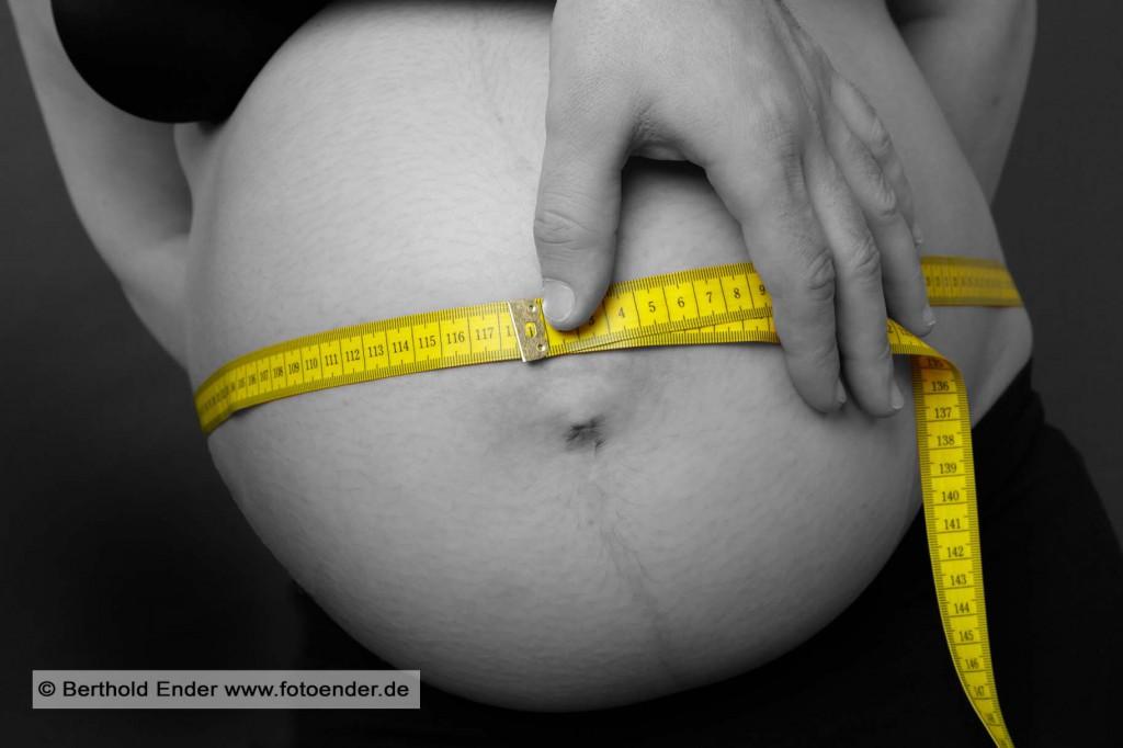 Babybauch Fotoshooting im Fotostudio Ender, Oranienbaum-Wörlitz