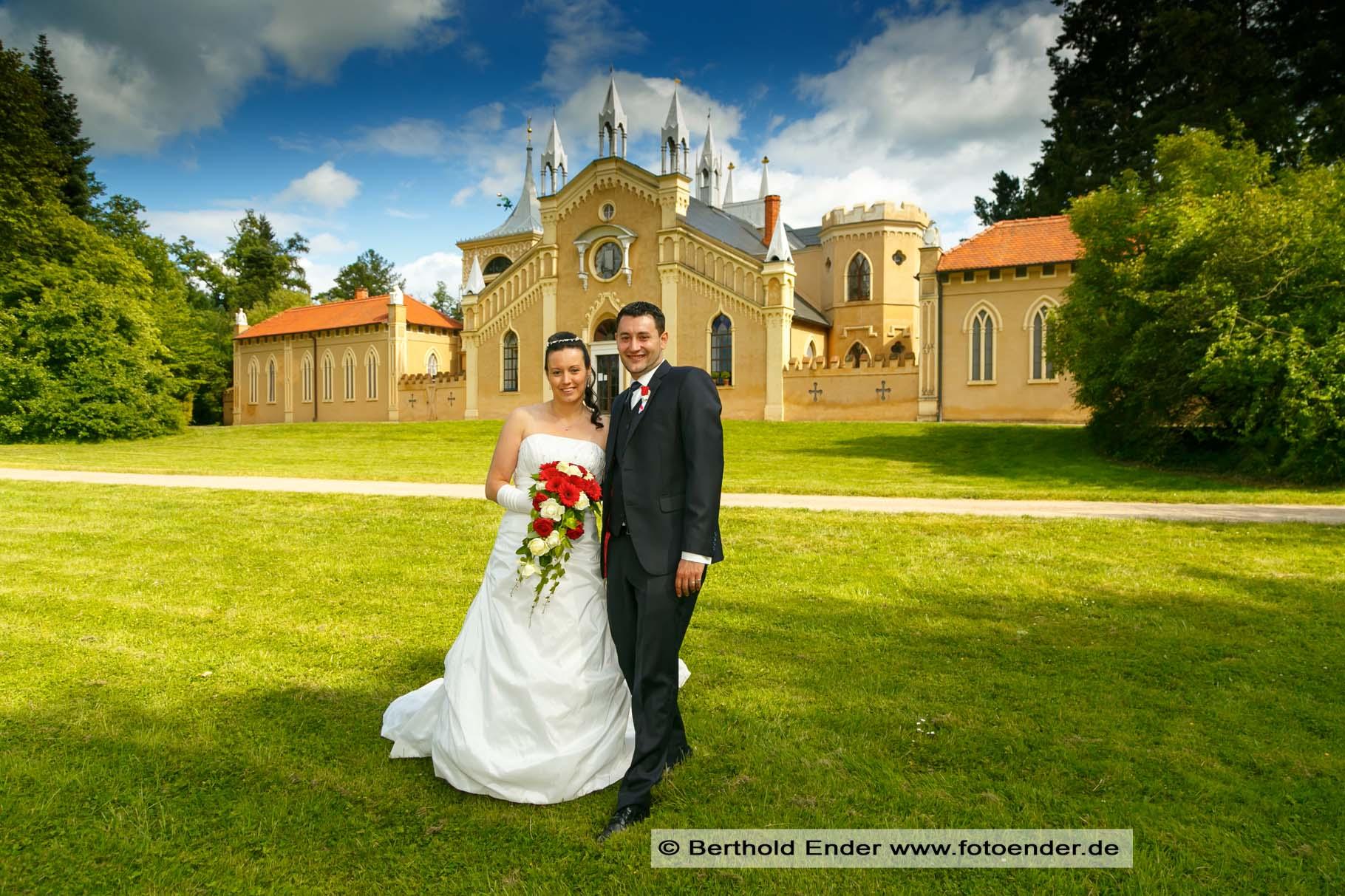 Hochzeitsbilder im Wörlitzer Park am Gotischen Haus, Fotostudio Ender