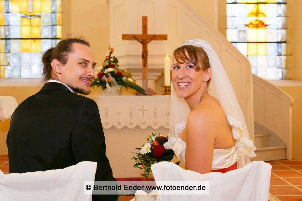 Kirchliche Trauung in Waldersee: Fotostudio Ender