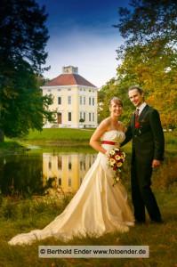 Standesamt im Luisium, Kirche Waldersee, Brautpaarfotos im Luisium