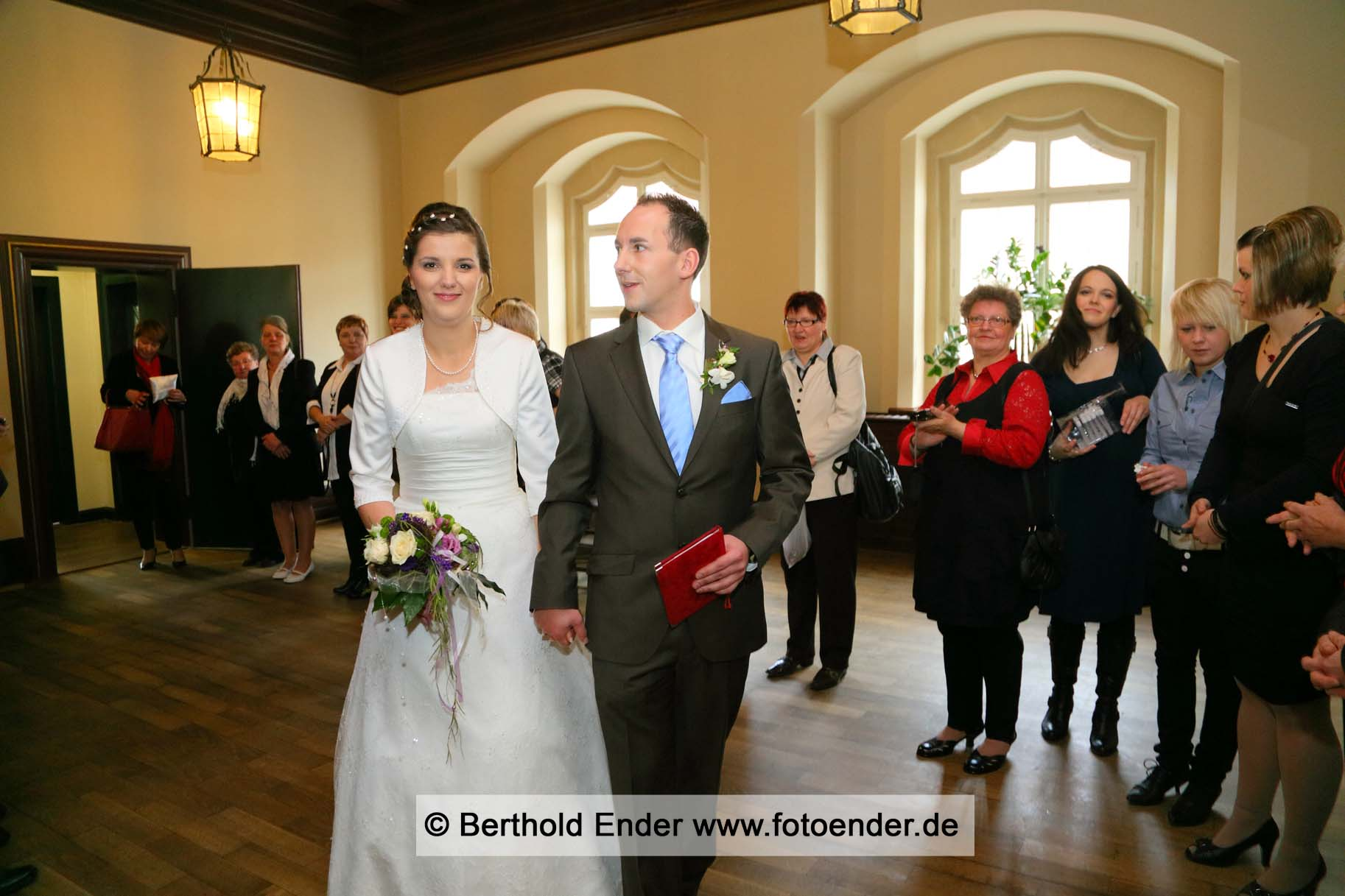 Hochzeitsfotos in der Altstadt von Lutherstadt Wittenberg: Fotostudio Ender