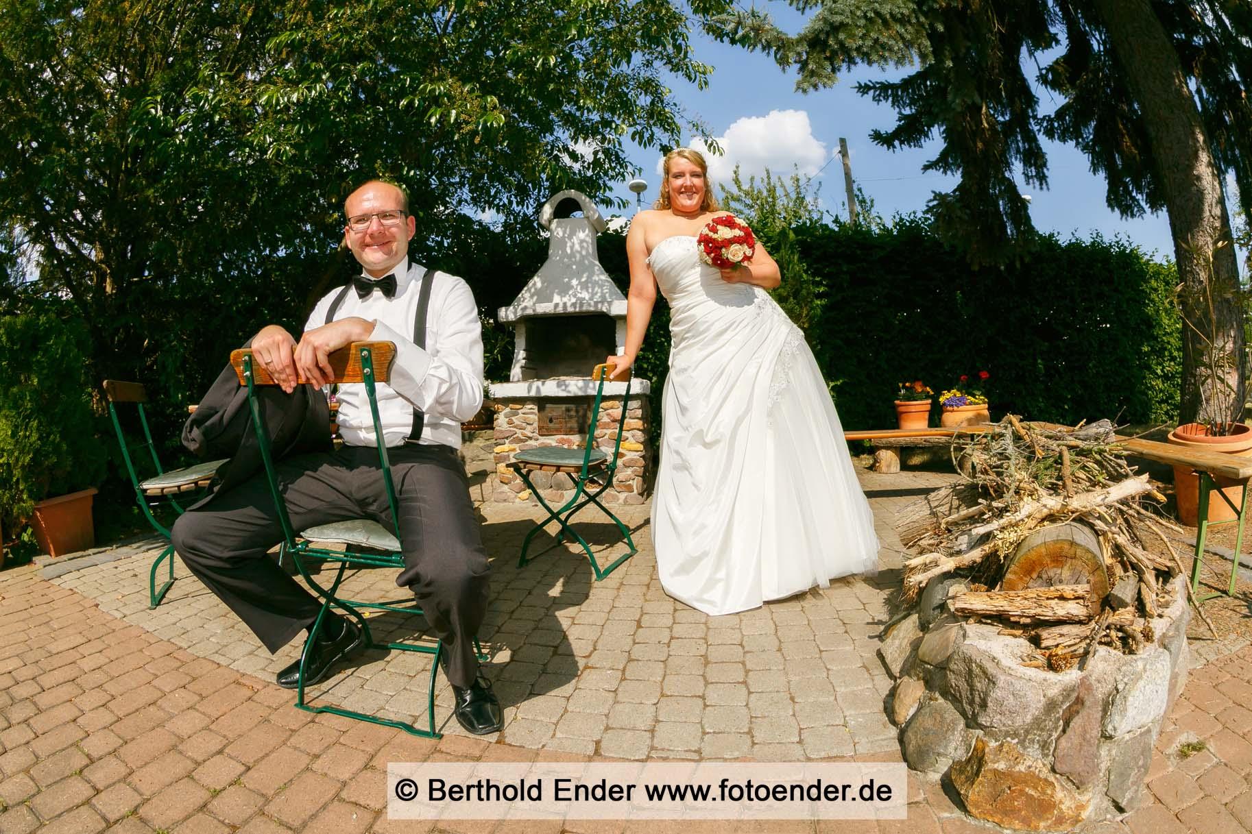 """Hochzeitsfoto am hotel """"Waldschlößchen"""" in Klieken"""