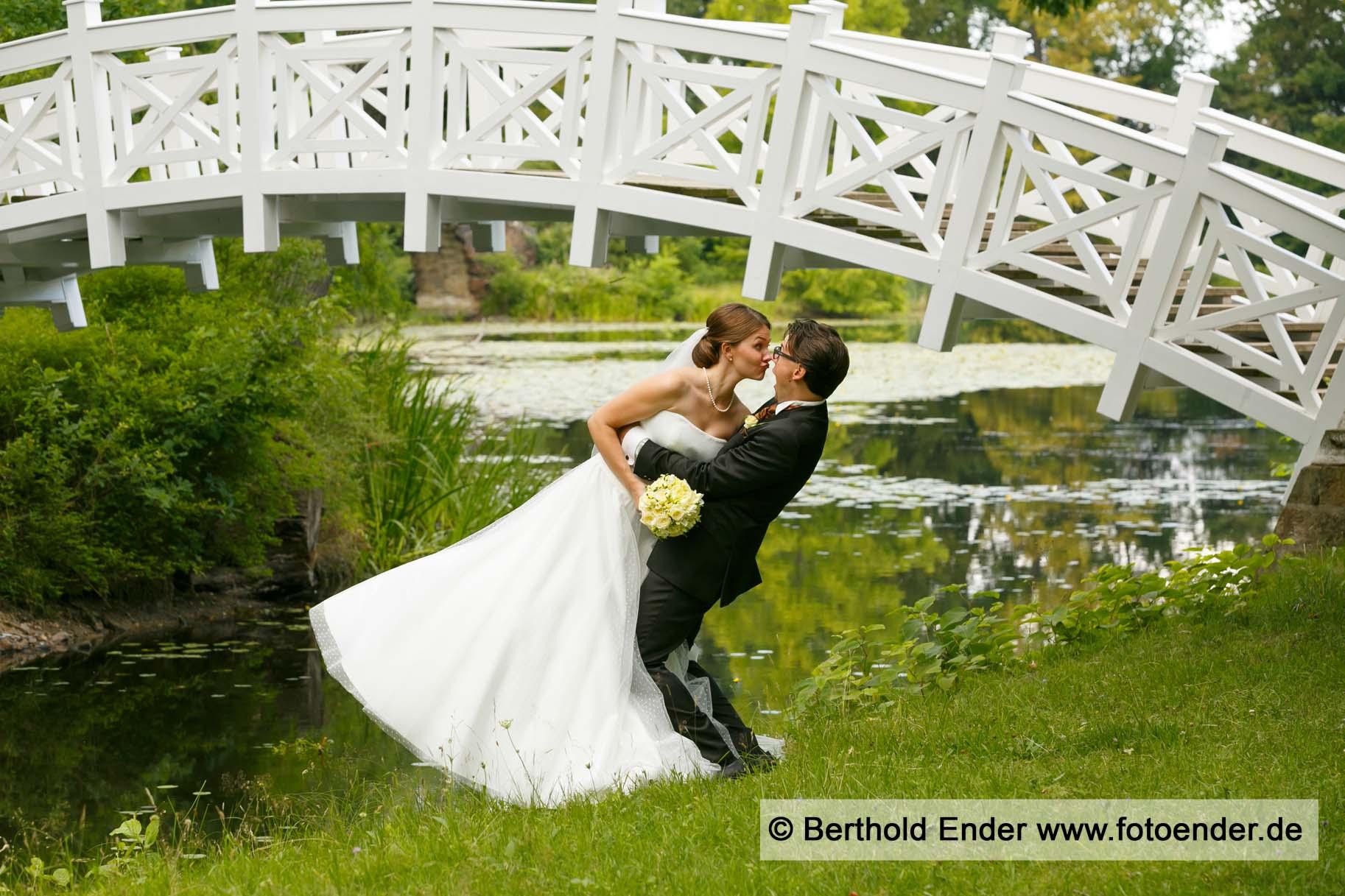Brautpaar Shooting an der Weißen Brücke in Wörlitz