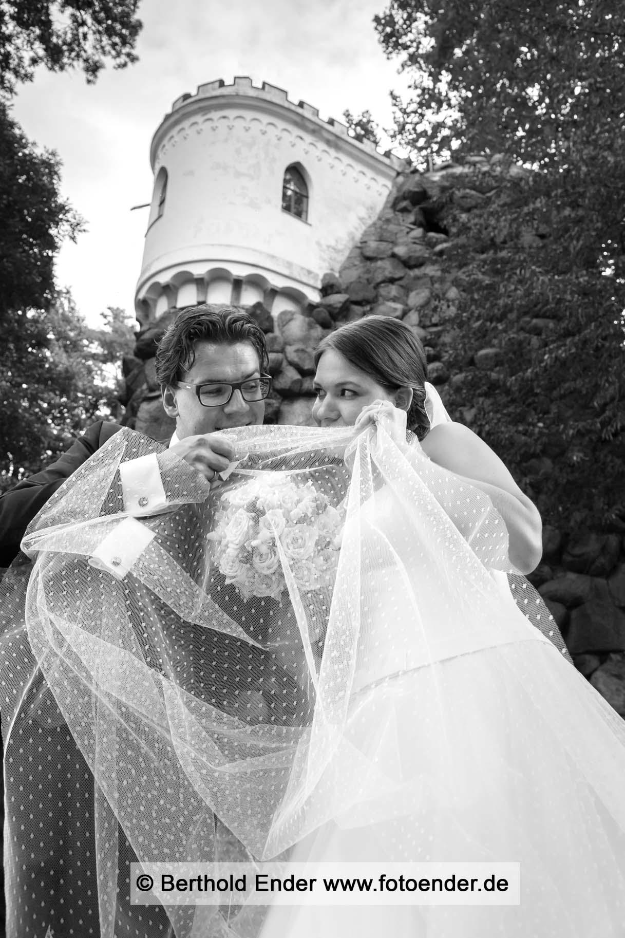 Brautpaar Shooting an der Luisenklippe in Wörlitz