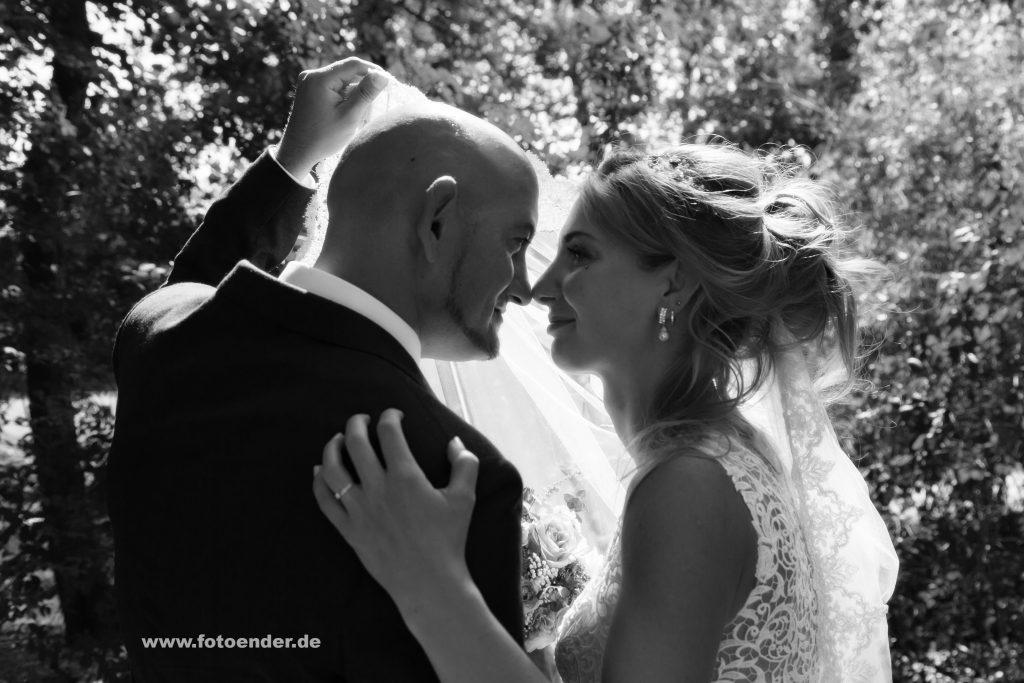 Brautpaarfotos im Park Oranienbaum